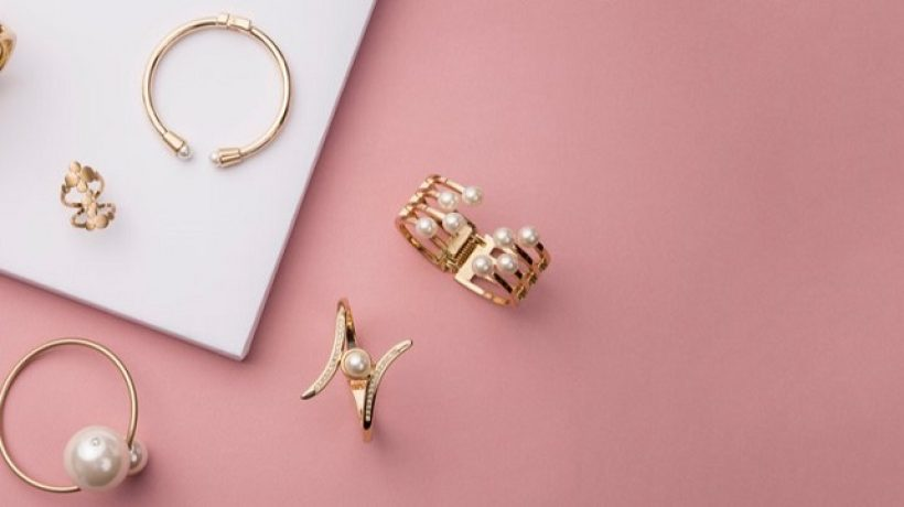 How to start a jewelry business store?